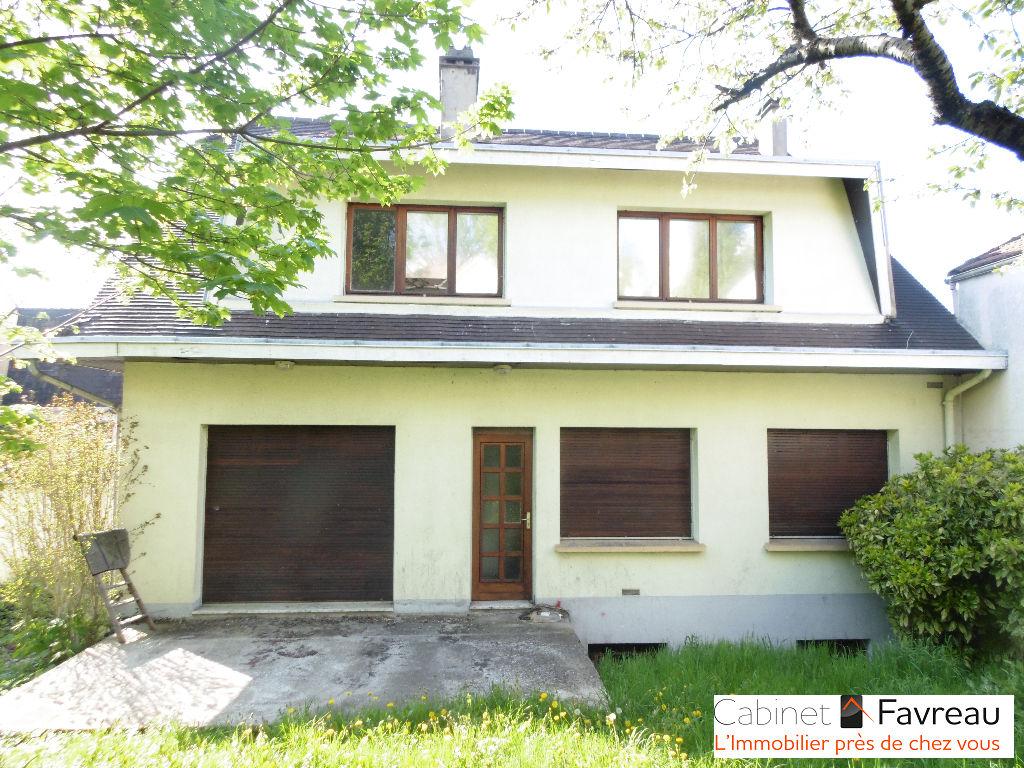 Maison cachan 9 pièces 211 m2