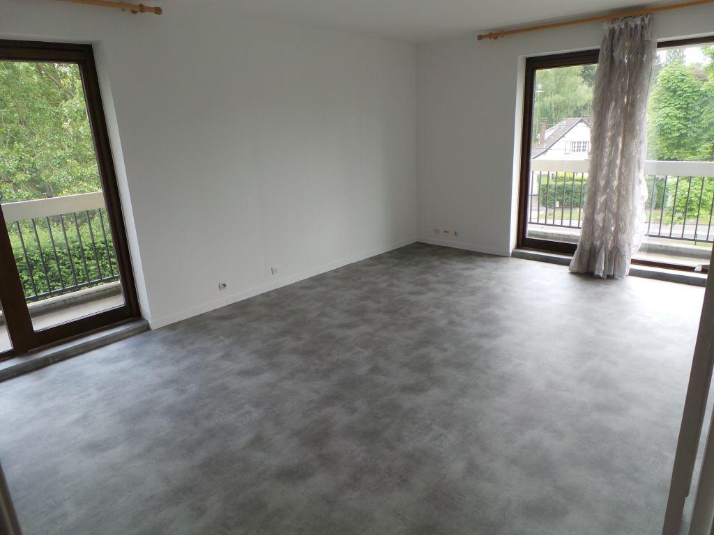 Appartement 63 m² -Croix barbieux 2ch + garage