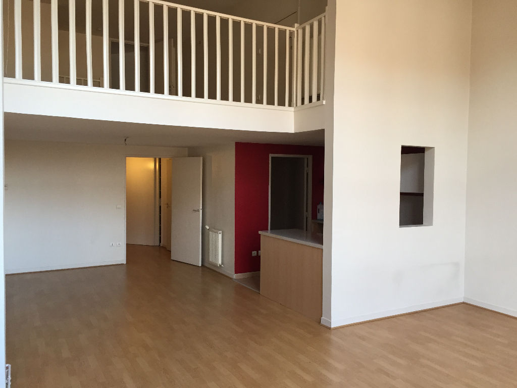 superbe T1bis - 98 m2 en duplex