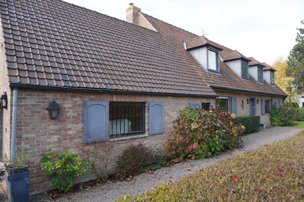 Maison Croix  beaumont 9 pièce(s) 250 m2