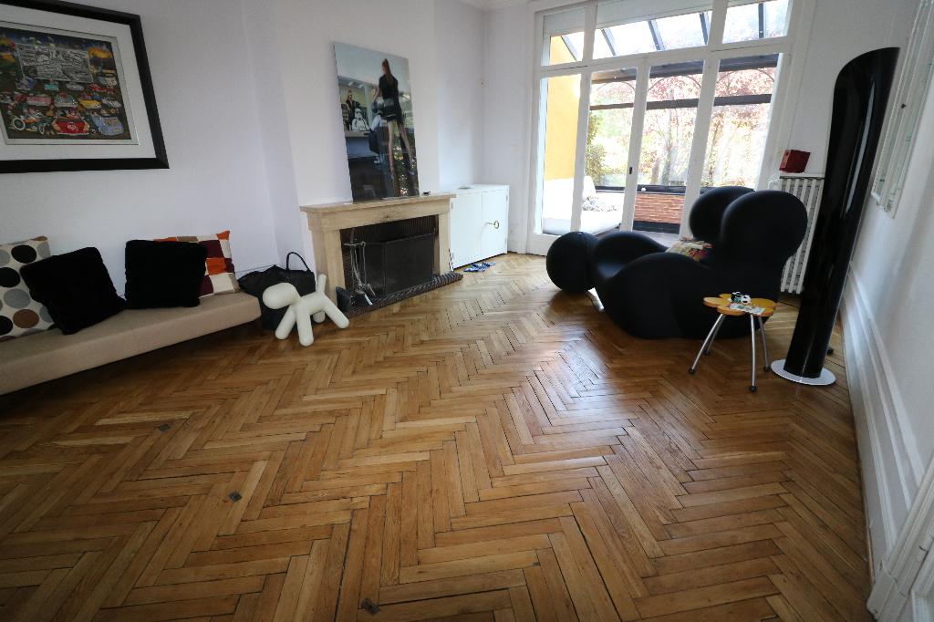 Maison bourgeoise Croix 10 pièce(s) 385 m2