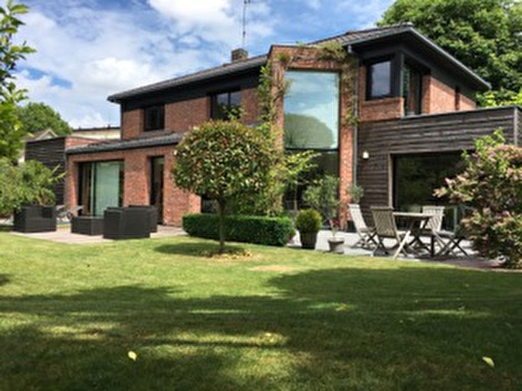 Maison proximité immédiate de mouvaux 8 pièce(s) 230 m2