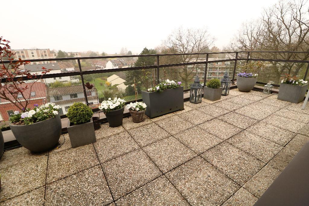 MOUVAUX - Appartement Duplex en dernier étage Vue imprennable sur le Parc du Hautmont 4 pièce(s) 92 m2