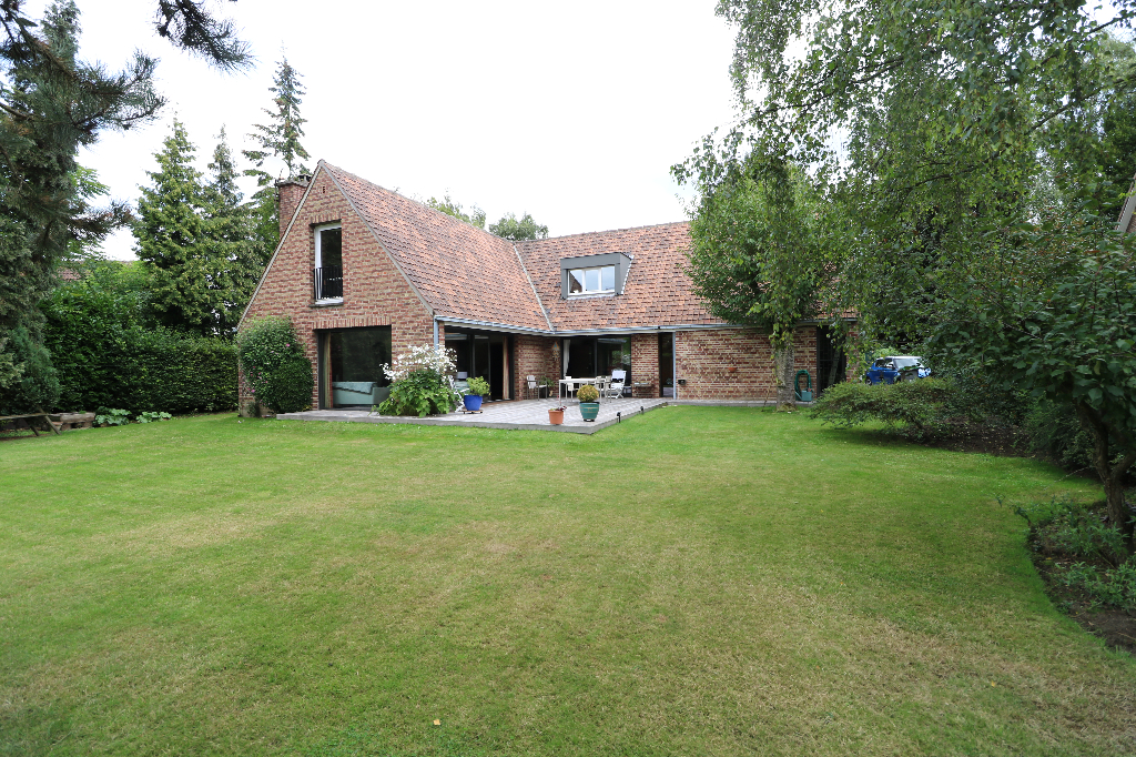 Maison Croix BEAUMONT 7 pièce(s) 191 m2