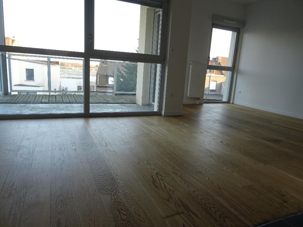 Appartement  REFAIT A NEUF Croix 3 pièce(s) 64.42 m2