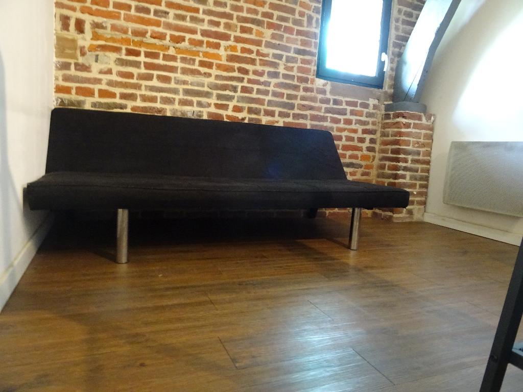 T2 meublé en duplex dans corp de ferme