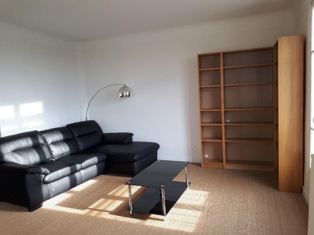 Appartement Courbevoie 2 pièces 51 m²