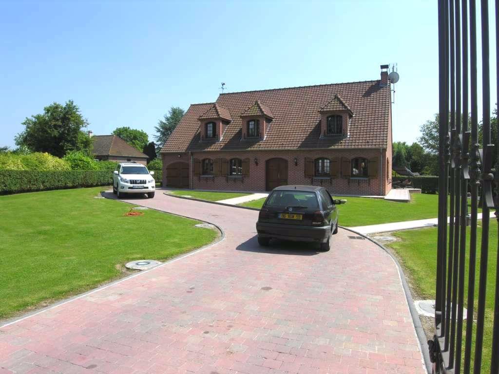 Maison - 250 M2