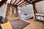 Belle propriété de deux maisons sur un terrain de 2349 m²