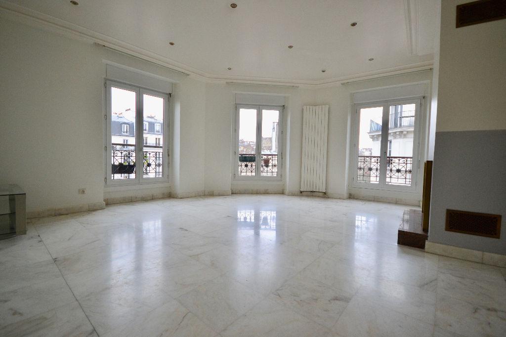 Appartement Paris 4 pièce(s) 90 m2