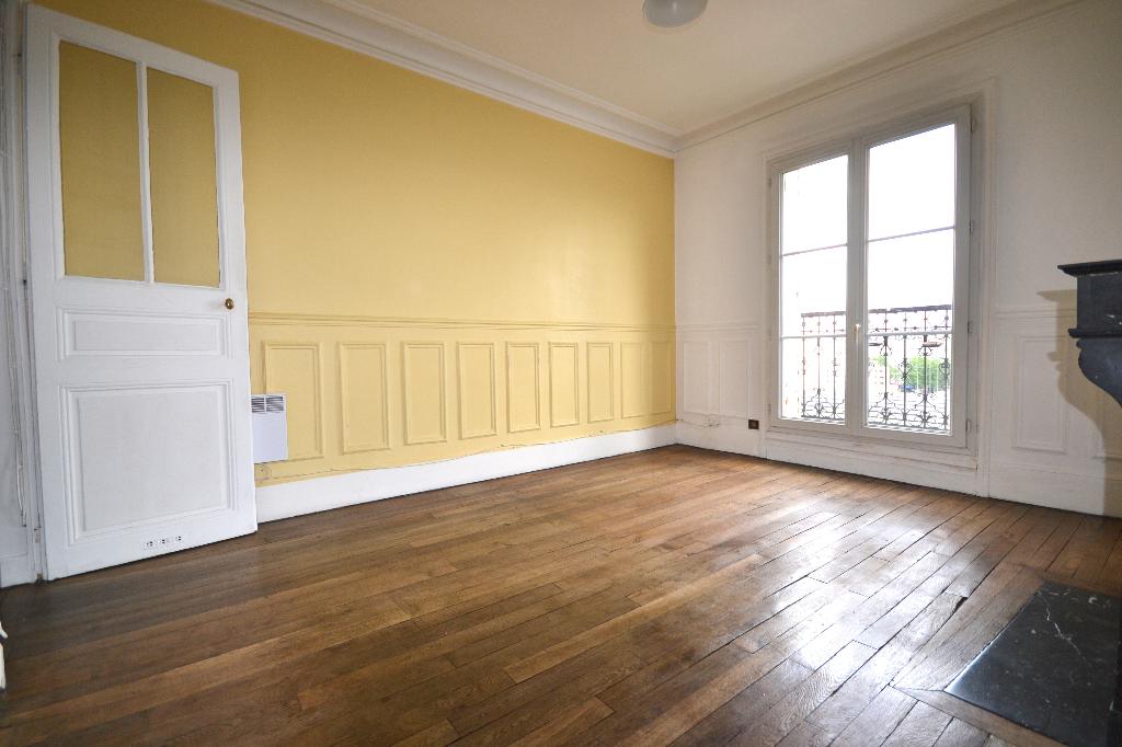 Appartement Paris 1 pièce(s) 32 m2