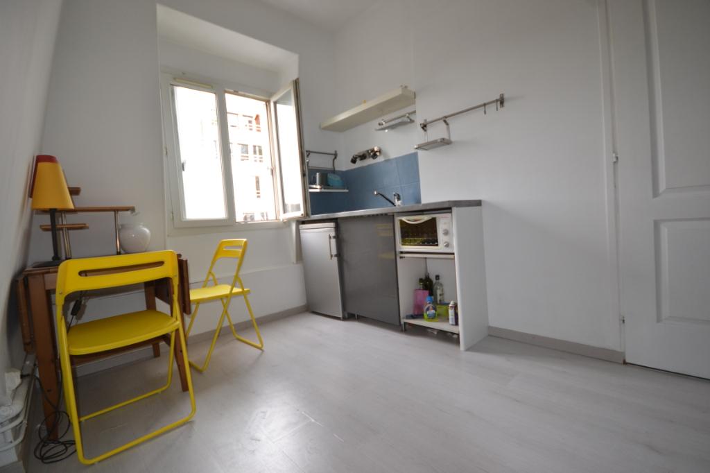 Appartement Paris 1 pièce(s) 15 m2