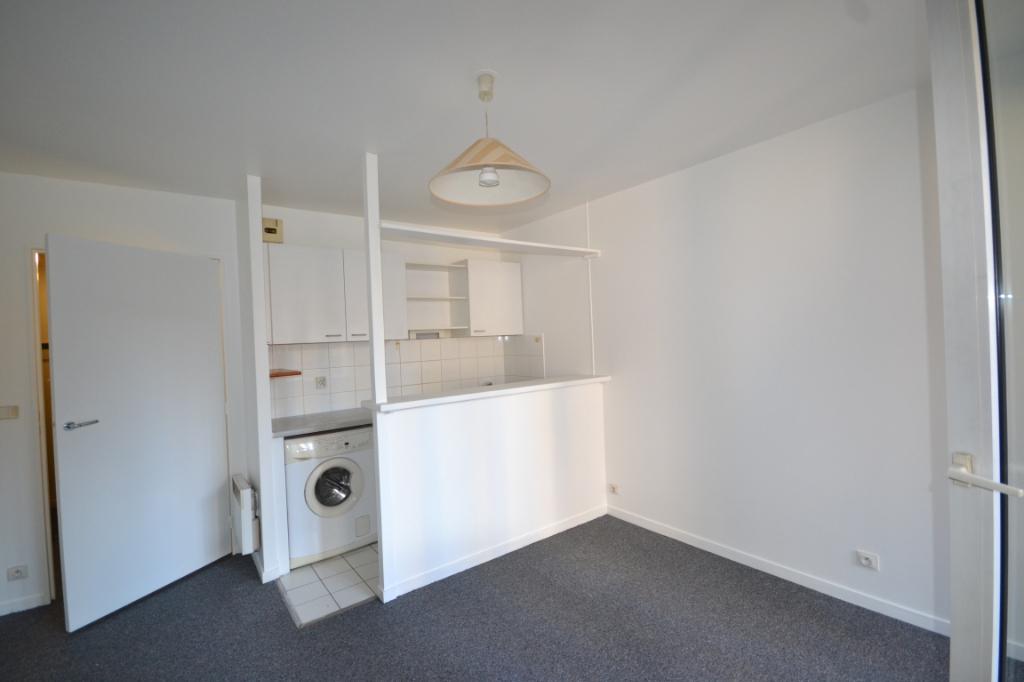 Appartement Paris 1 pièce(s) 21 m2