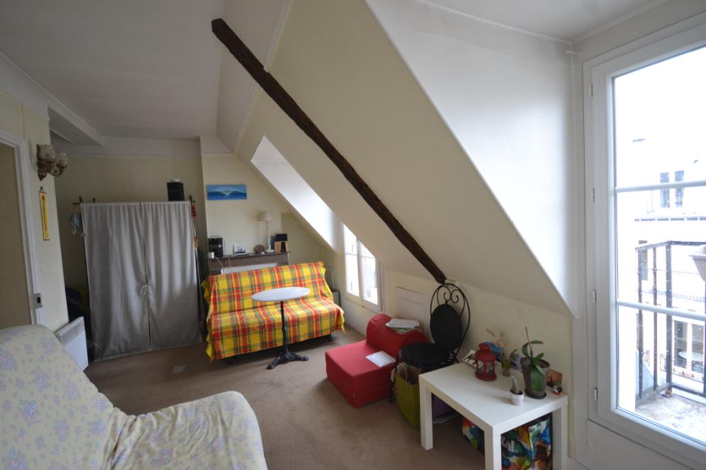 Appartement Paris 1 pièce(s) 27 m2