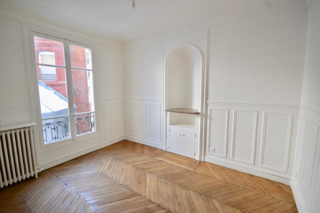 Trudaine/Dunkerque Appartement Paris 2 pièce(s) 56 m2