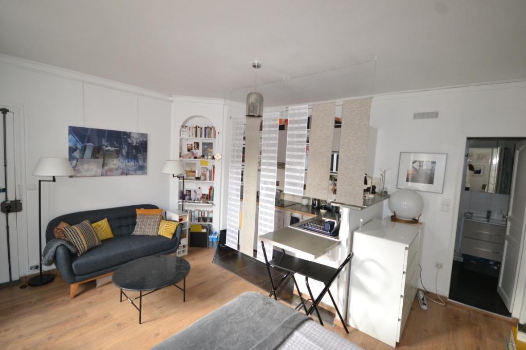 Paris 9e 1 pièce(s) 24 m2