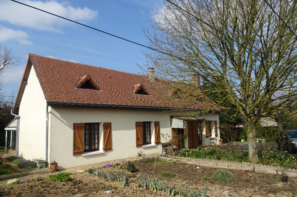 Maison située en sortie de village
