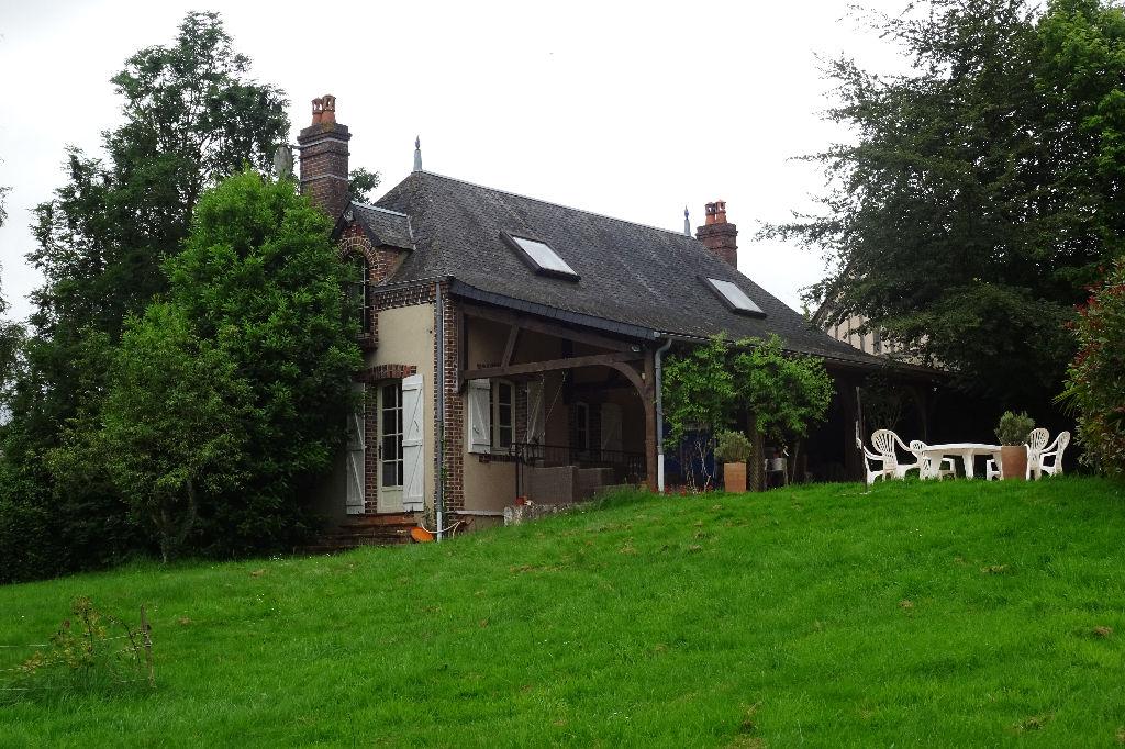 Maison de campagne avec piscine couverte
