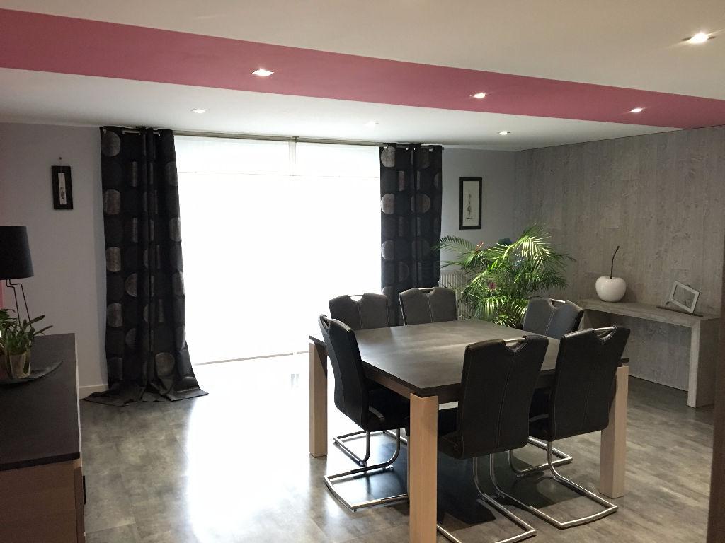 Maison La Guyonniere 6 pièce(s) 154 m2