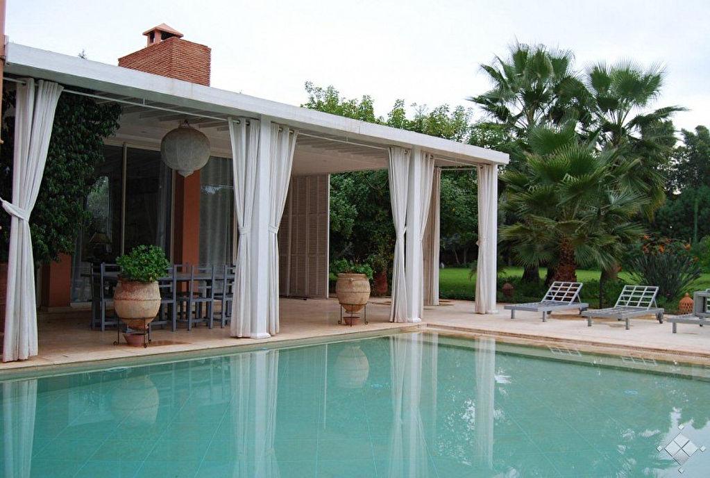.A quelques minutes de Marrakech dans un domaine sécurisé, belle demeure