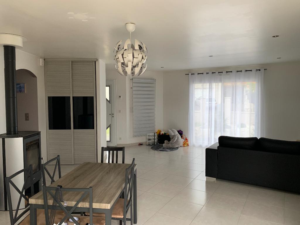 Maison La Bruffiere 4 pièce(s)