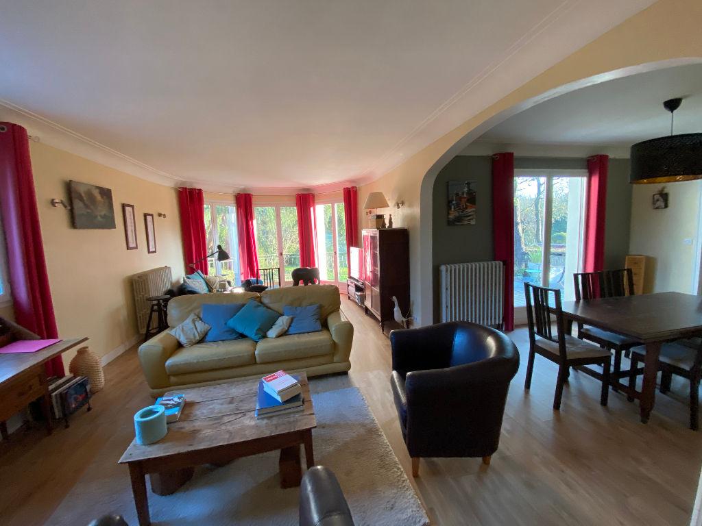 Maison Montaigu-vendee 10 pièce(s) 190 m2