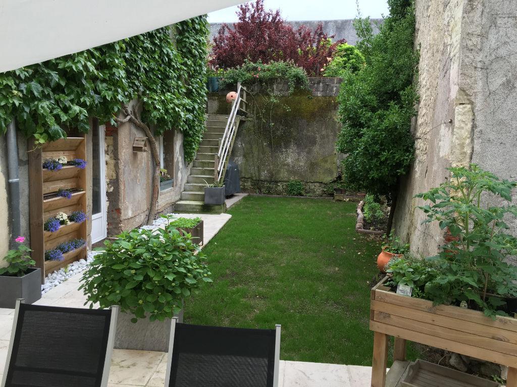Maison Montlouis Sur Loire 7 pièce(s) 158 m2