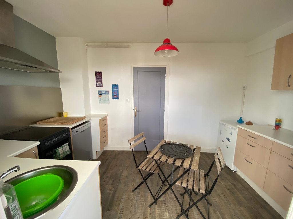 Appartement La Roche Sur Yon 4 pièce(s) 96.44 m2