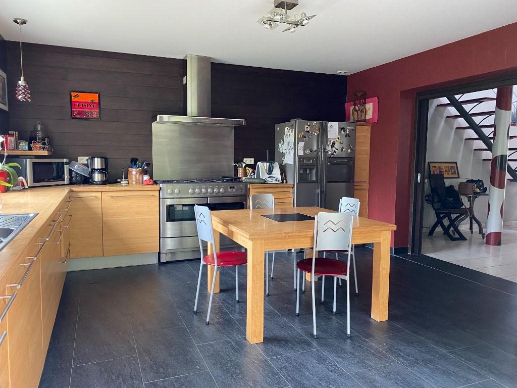 Maison Bouffere 8 pièce(s) 200 m2