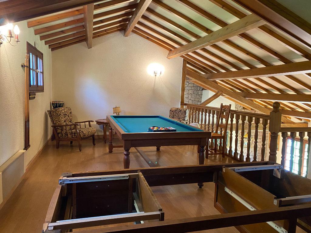 Maison Saint Fulgent 8 pièce(s) 214.49 m2
