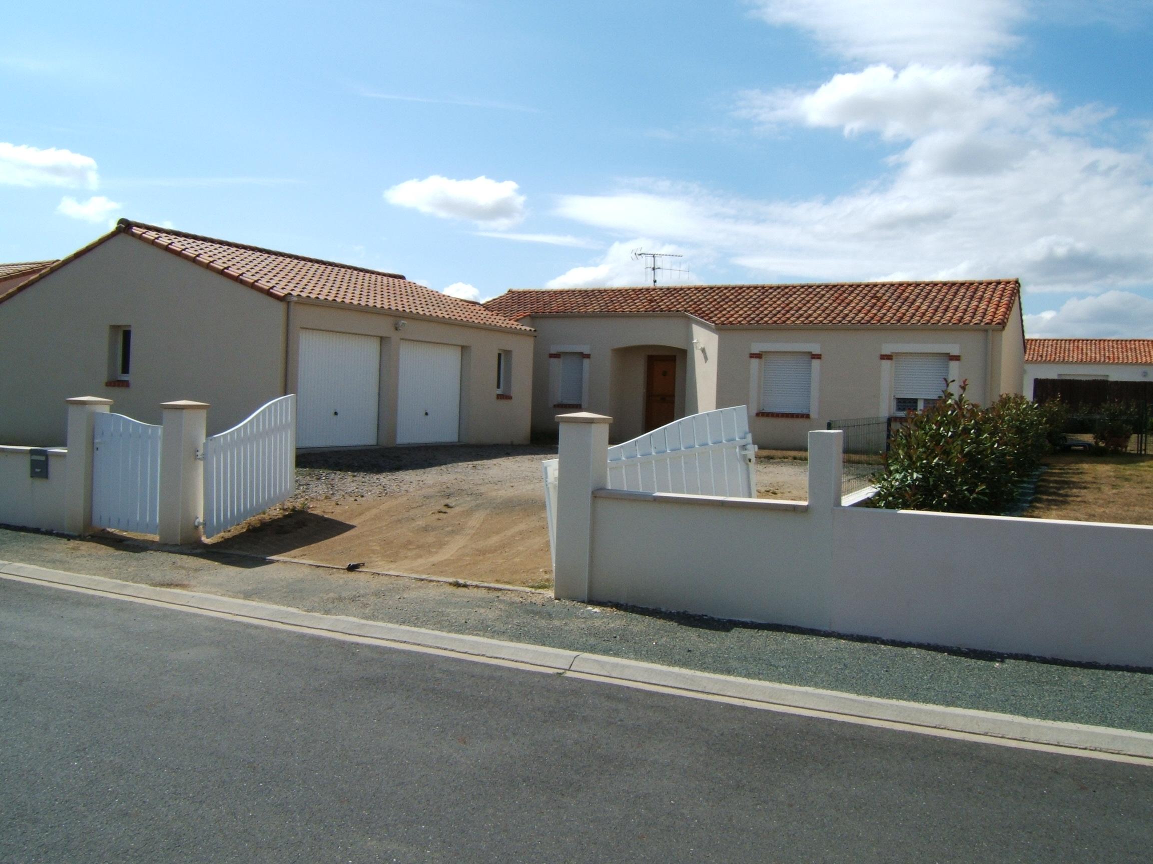 Maison Saint-Georges-de-Montaigu - 121.73 M2