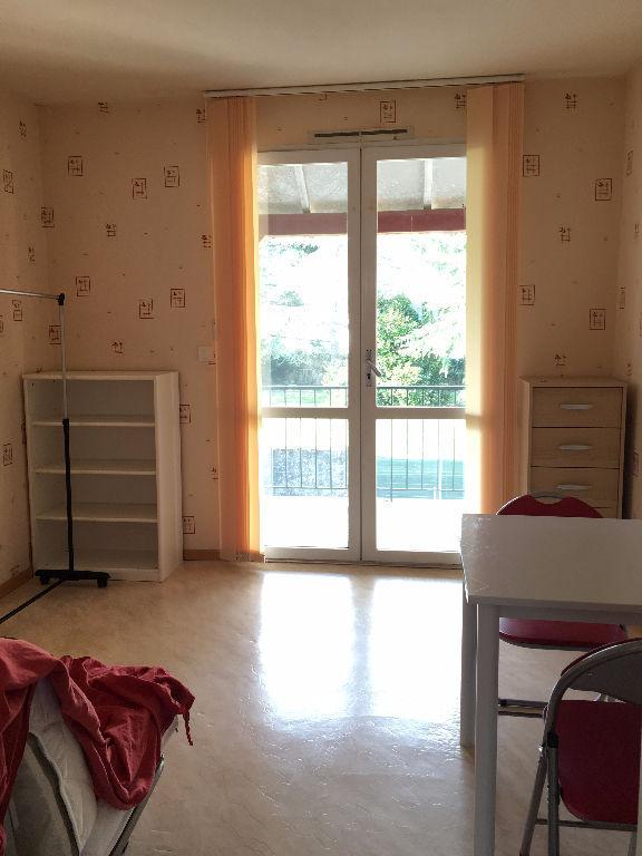 STUDIO  Montaigu - 1 Pièce(s) - 17 M2