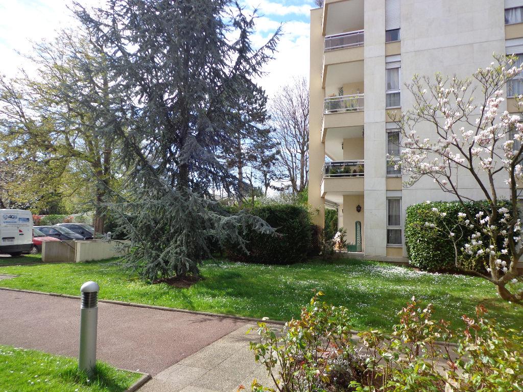 Appartement Saint Gratien 1 pièce(s) 31 m2