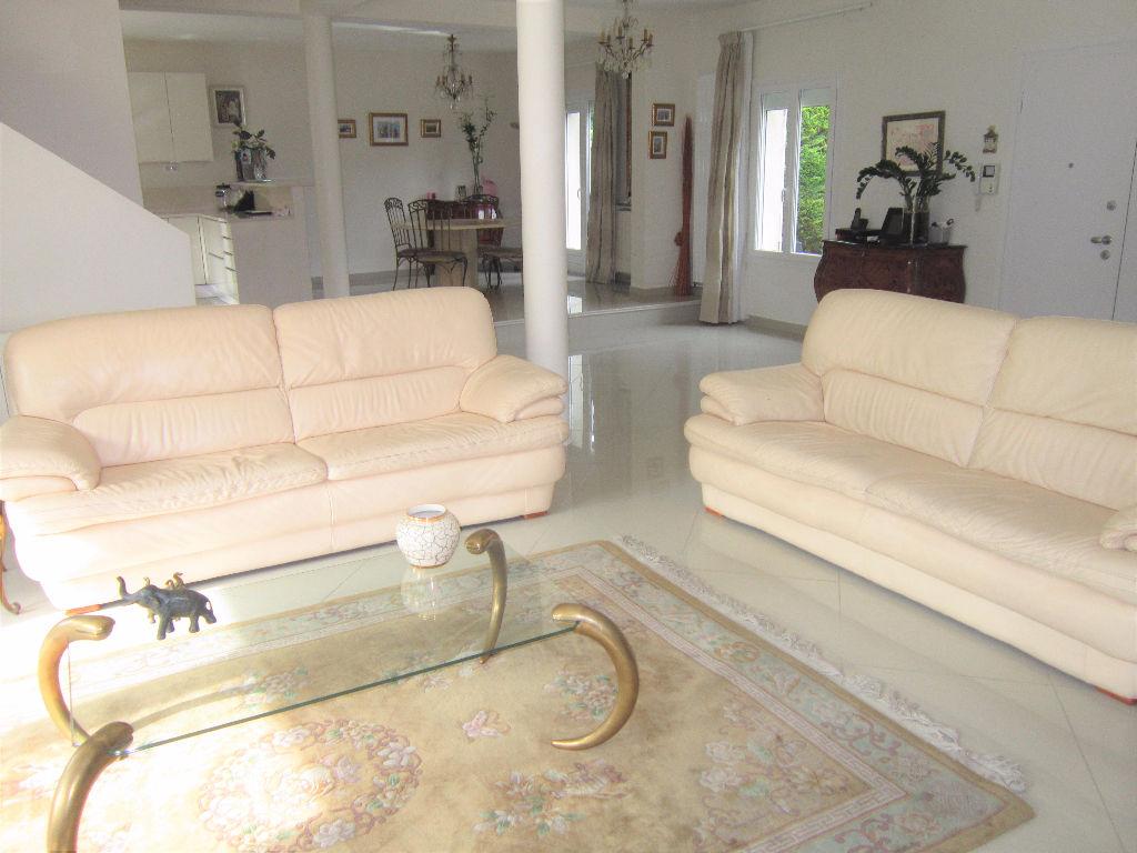 Maison Saint Brice Sous Foret 7 pièce(s) 165 m2