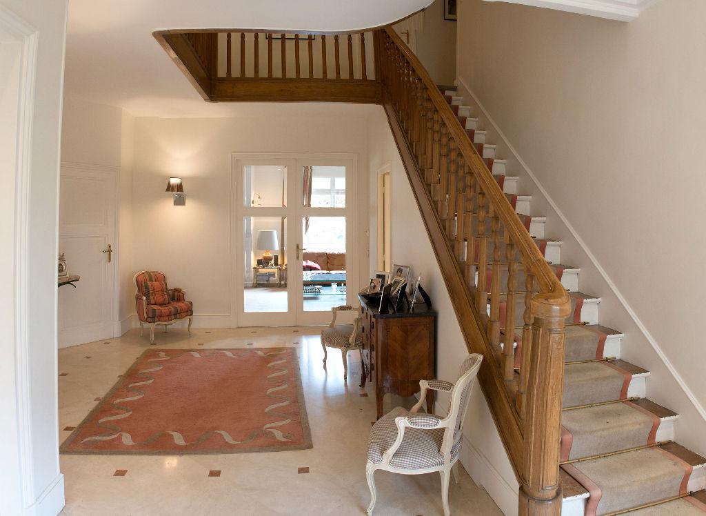 Maison Enghien Les Bains 6 pièce(s) 235 m2