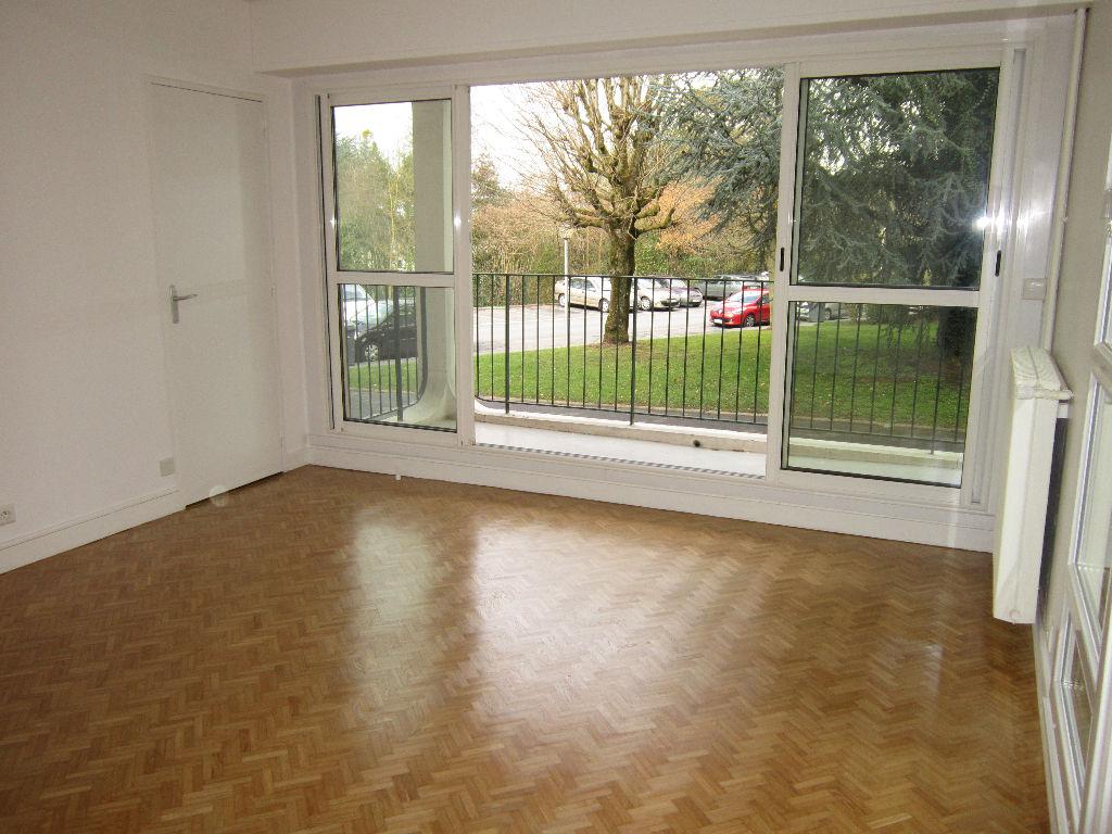 Appartement Ecouen 2 pièce(s) 54.8 m2