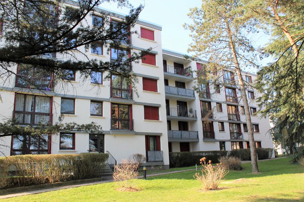 Appartement Deuil La Barre 2 pièce(s) 61 m2