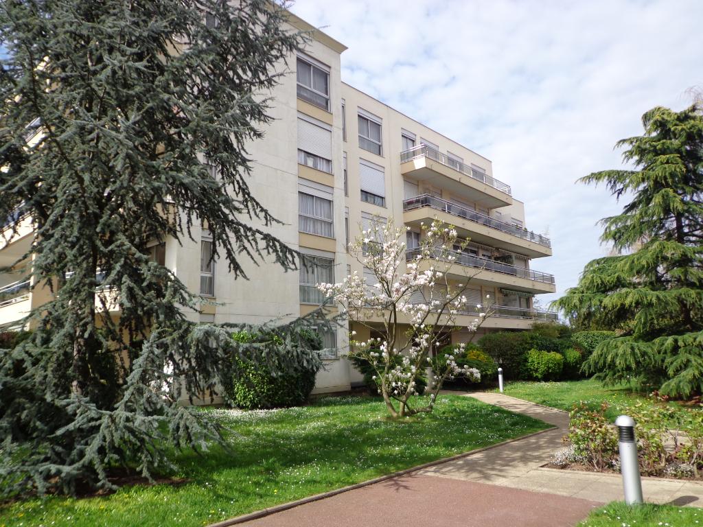 Appartement Saint Gratien 3 pièce(s) 61 m2 avec terrasse de 15m²