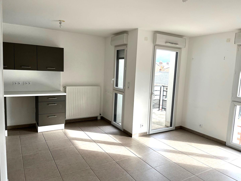 A louer  Nantes 44 St Félix, appartement T4, trois chambres