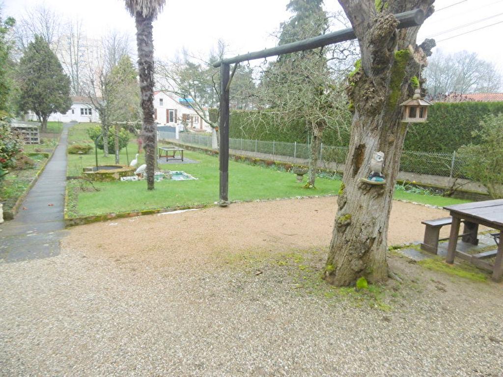 A vendre ensemble immobilier avec 2 maisons et un studio Nantes- Chêne des Anglais