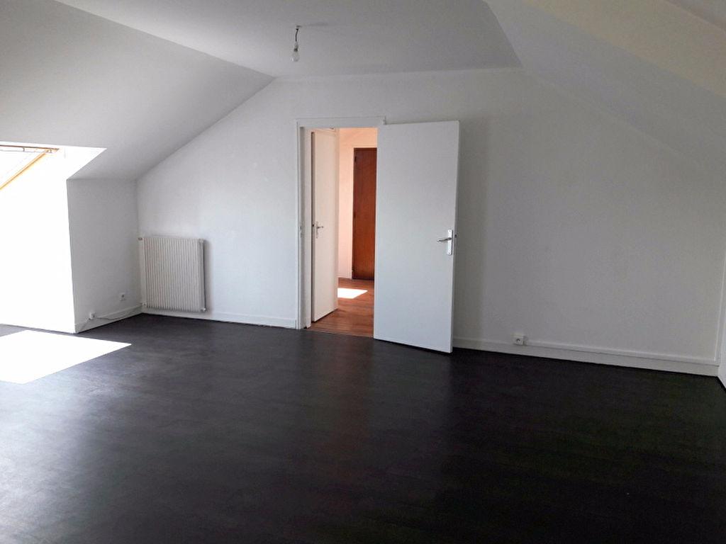 A louer Nantes-St Félix 44, appartement T3, 2 chambres
