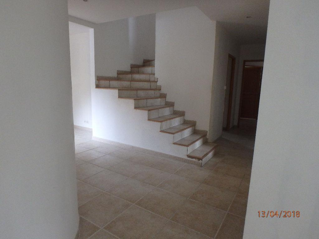 Villa neuve tout confort de 270m² dont gite de 70m² à finir - terrain arboré de 1600m²