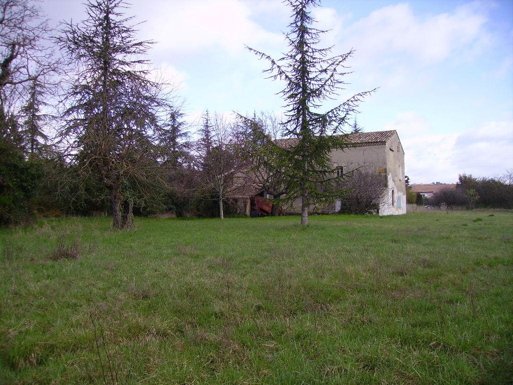 Aubenas,Ferme ancienne sur 4200 m² de terrain