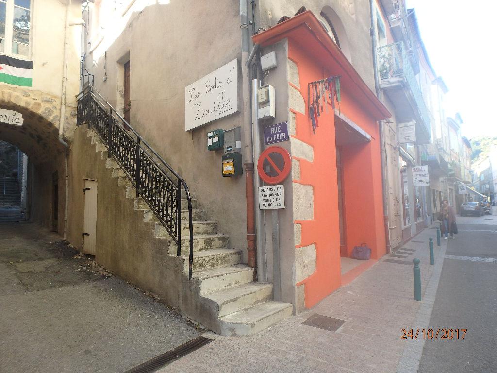 Local commercial ou habitation - environs 60 m² - centre marché