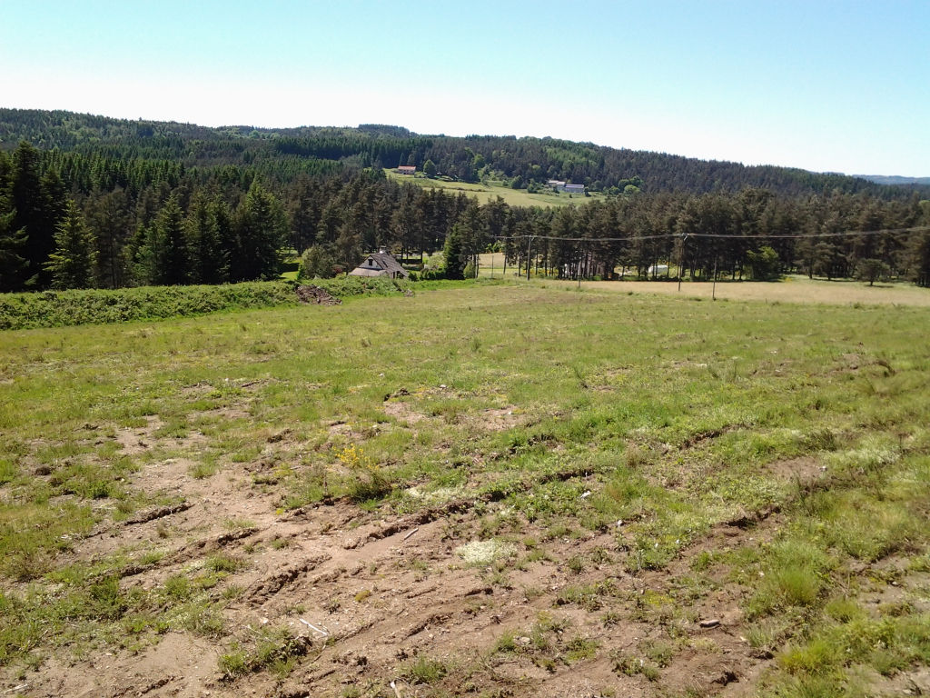 Land to build for camping or gites