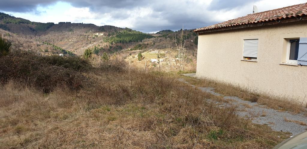 Maison neuve - plain pied - chauffage au sol par pompe à chaleur - terrain plat arboré - belle vue dégagée - campagne