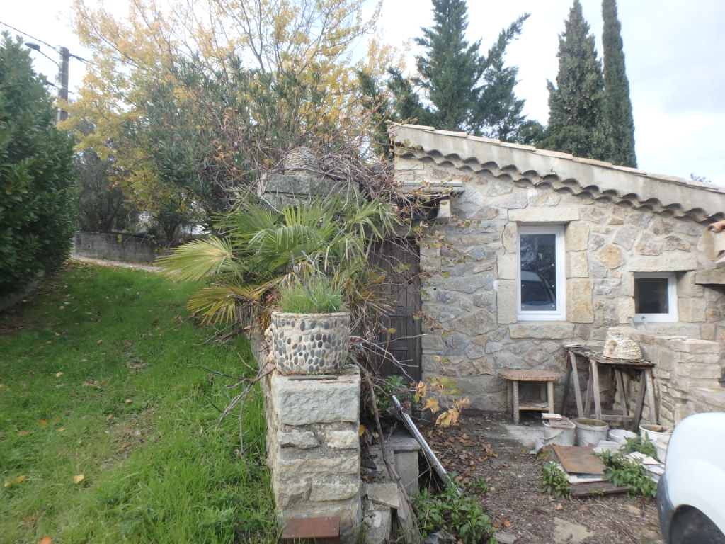 Maison indépendante - à 5 m du centre d'Aubenas - vue dégagée - avec terrain constructible