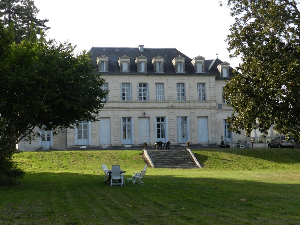 Château et son domaine équestre  - 57 hectares