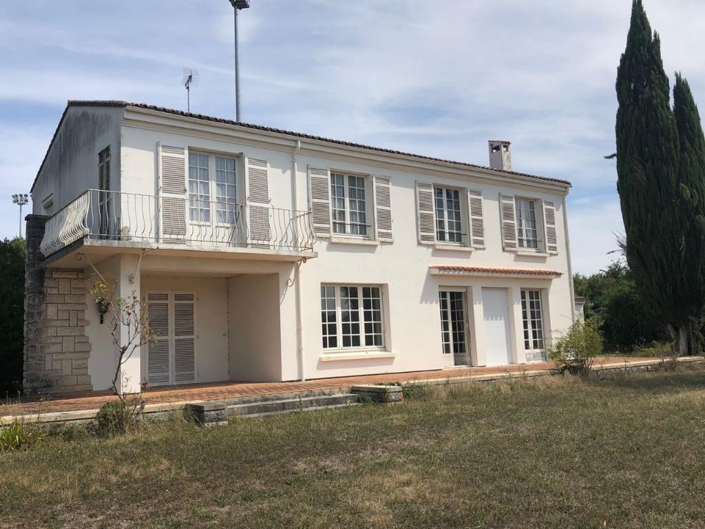 Grande Maison Saint Jean D Angely  - 262 m2