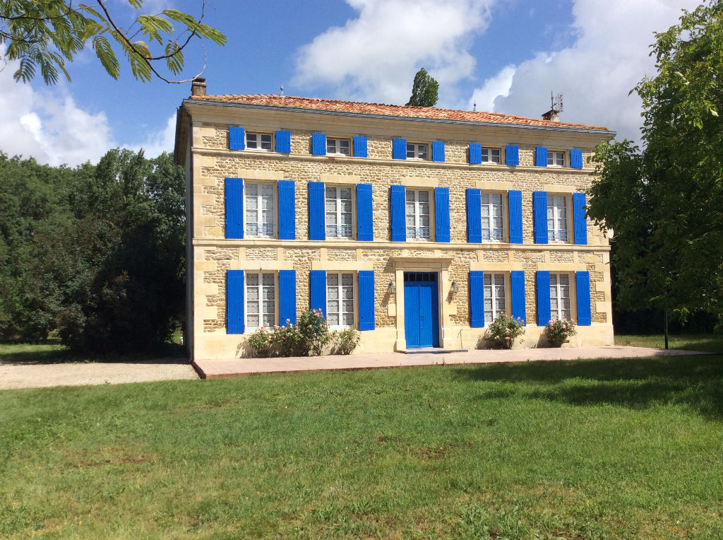 5 bed Maison de Maitre, gite and  pool in wooded garden